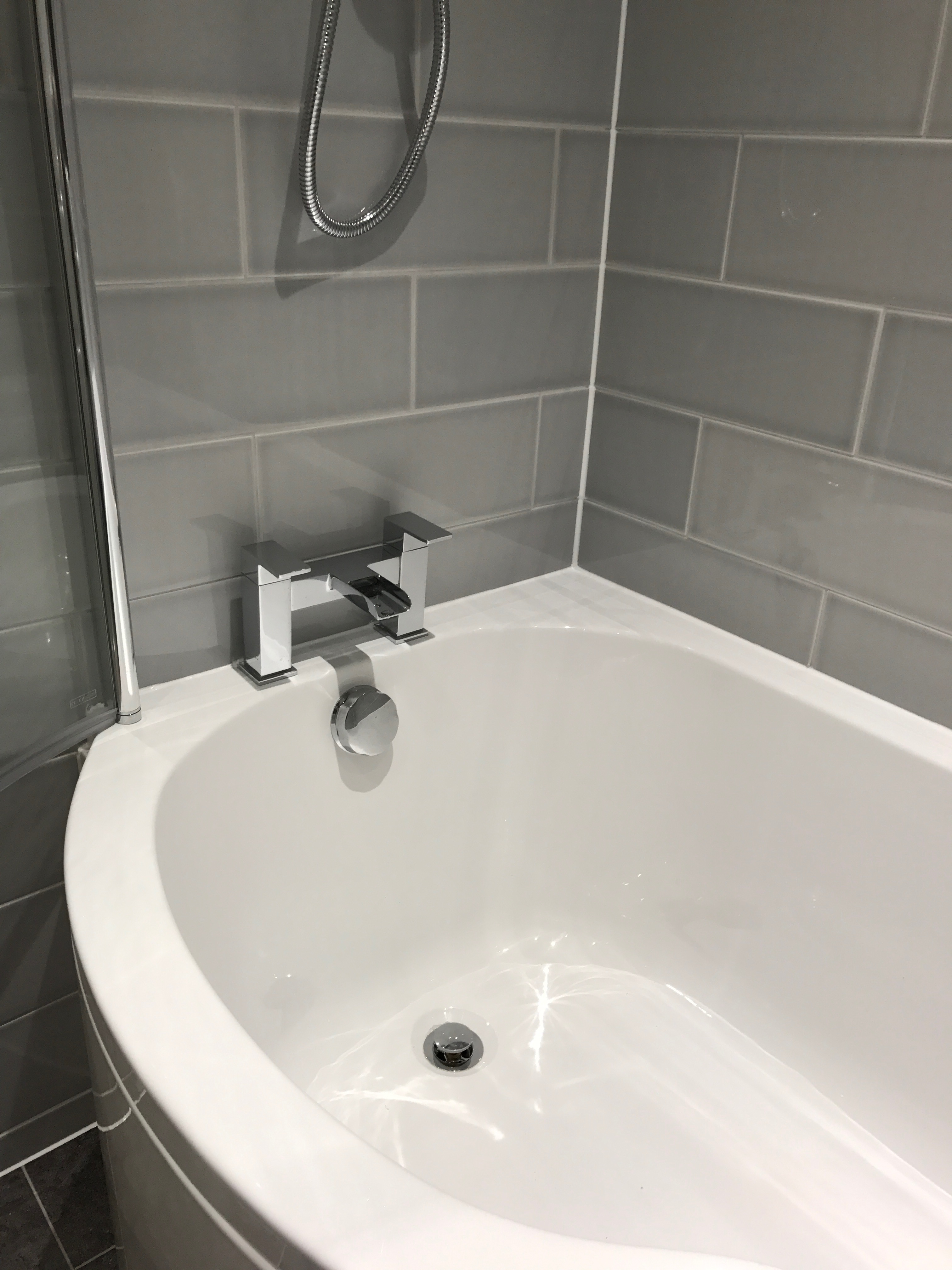 Bathroom Project Bedfordshire - TNM Property Services0605